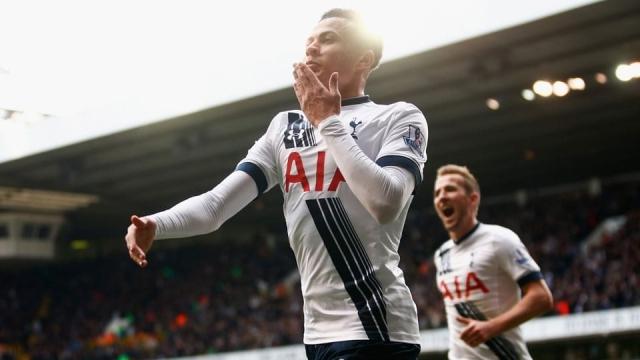 Dele Alli of Tottenham Hotspur in action