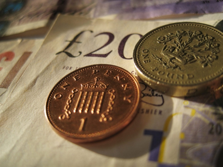 Men are less likely to donate to charity than women (Photo: Peter Macdiarmid/Getty Images)