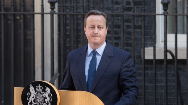 David Cameron resigns outside 10 Downing Street (Photo: Getty)