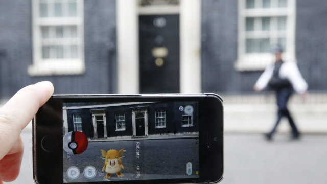Pokemon Go is catching on, but will Downing Street help the UK's burgeoning VR industries? (Photo: Olivia Harris/Getty Images)