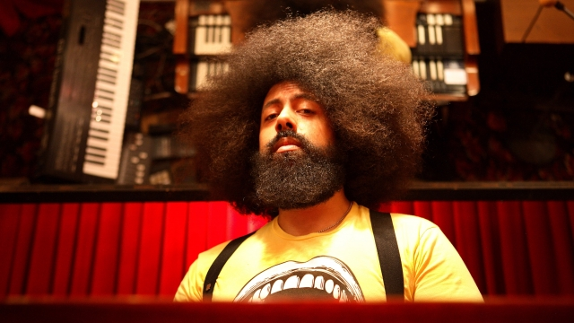 """""""I never prepare, I just show up to the gig on time"""", says comedian Reggie Watts"""