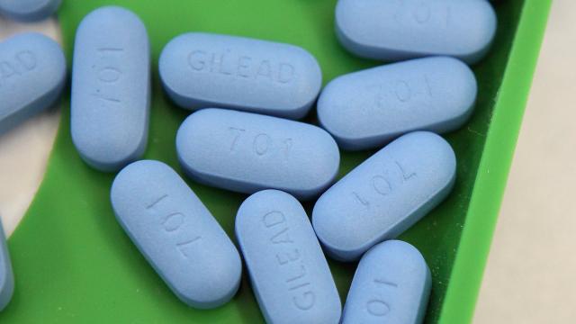 Antiretroviral pills
