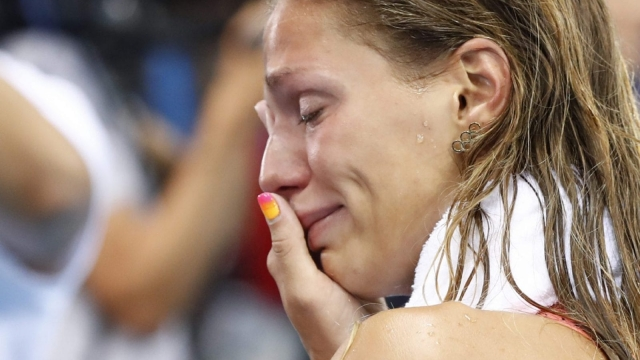 Yulia Efimova cries after being booed before her second-place finish (Photo: Getty)