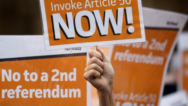 Pro-Brexit demonstrators, calling on the British government to invoke article 50 immediately (Photo: Getty)