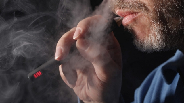 Although evidence on the long-term health impact of vaping is not yet fully understood this should not discourage smokers from switching to e-cigarettes, the guidance states.