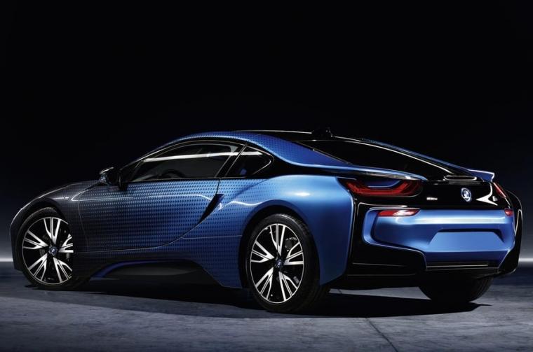 BMW i8 Crossfade