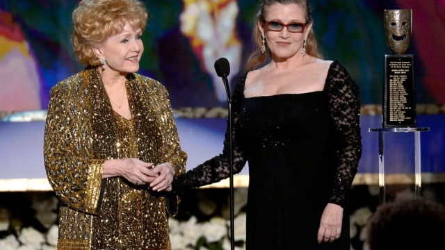 Debbie Reynolds with her daughter Carrie Fisher