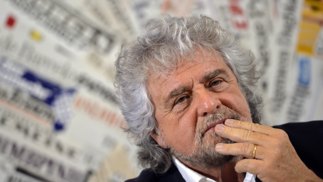 Article thumbnail: Beppe Grillo wants newspapers to apologise for publishing fake news