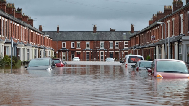 Thousands of homes were swamped by Storm Desmond last winter. (Photo: Jeff J Mitchell/Getty Images)