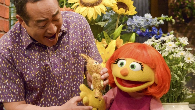 New Muppet Julia will make her TV debut on the 47th series of 'Sesame Street' next month ( Photo: Zach Hyman/Sesame Workshop via AP)