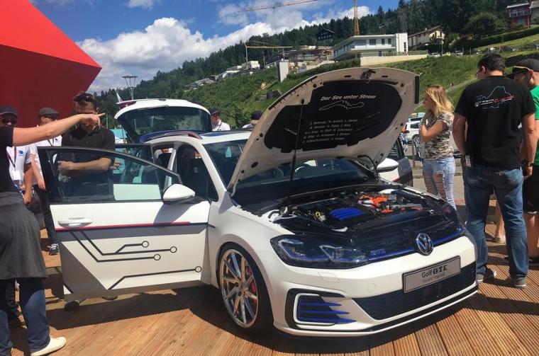 VW Apprentices' Golf GTE concept