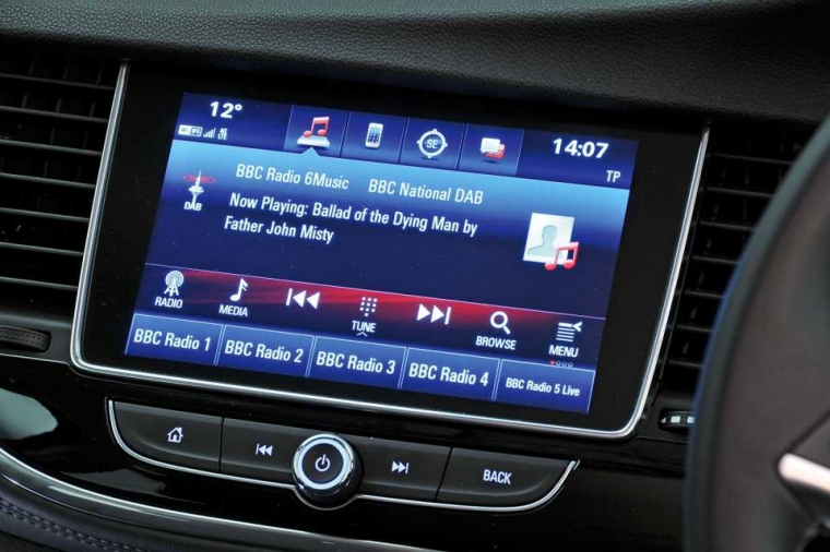 Vauxhall Mokka X infotainment