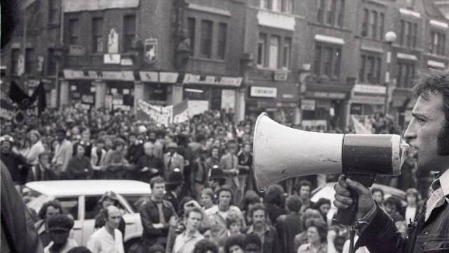 Up to 9,000 people gathered in Lewisham, south east London, on 13 August 1977 to demonstrate against a march by the racist National Front through the borough. Hundreds of protesters proceeded to confront the NF marchers despite a police order to disperse their counter-protest. (Photo: Chris Schwartz)