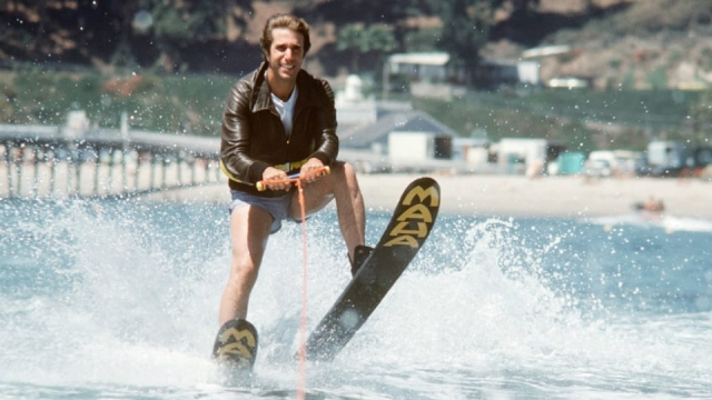 Jumping-the-Shark-Happy-Days-640x360.jpg