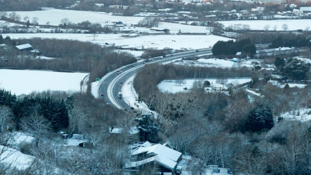 Snow covers fields close to the village of Birdlip in Gloucestershire. (Photo by Matt Cardy/Getty Images)