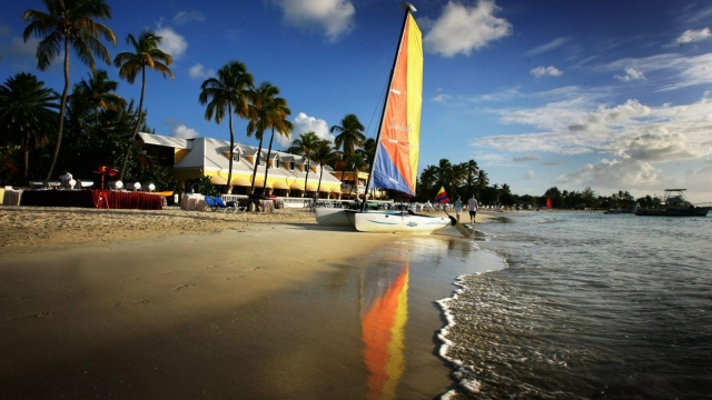 Article thumbnail: Antigua travel