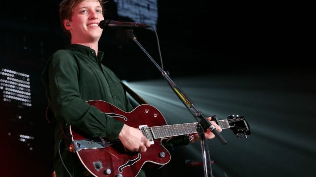 George Ezra will provide the music (Jesse Grant/Getty Images for CBS Radio)