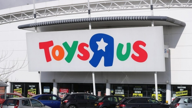 Toys R Us will close its final 12 UK stores today