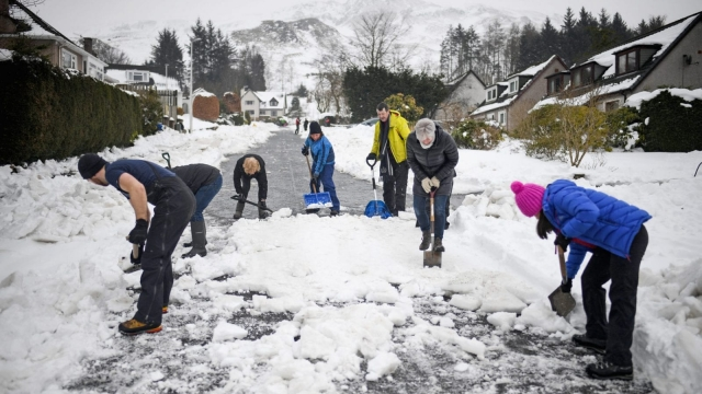 Article thumbnail: Scotland has been warned to expect more snow. (Photo by Jeff J Mitchell/Getty Images)