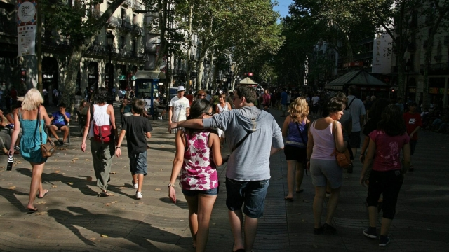 A view of tourists on La Rambla in Barcelona. Photo: Getty
