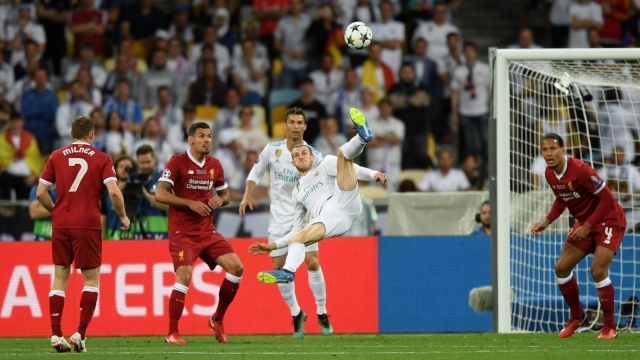 Article thumbnail: Gareth Bale of Real Madrid scores a wonder goal in an otherwise gritty game.
