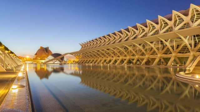 Valencia's City of Arts and Sciences is a big tourist attraction (photo: Diego Delso / Wikimedia Commons)