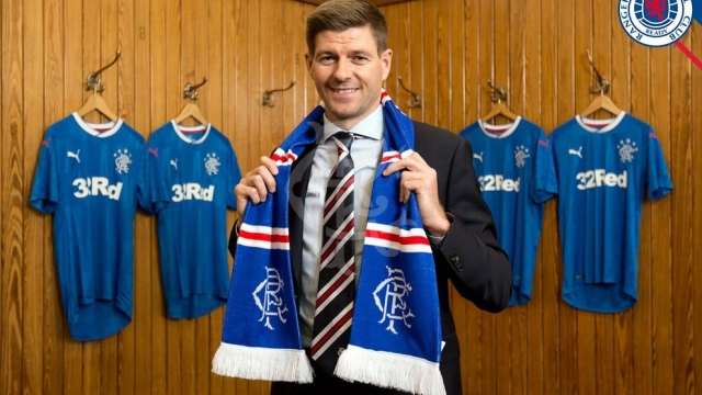 Steven Gerrard has signed a four-year contract at Rangers (Rangers FC)