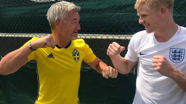 Kyle Edmund and Swedish coach Fredrik Ronsengren will have split loyalties about the World Cup (Getty)
