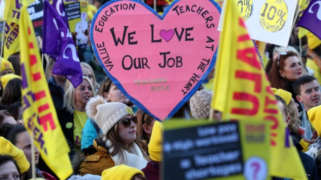 Thousands of teachers took part in a march and rally in support of a 10% pay rise in Glasgow last month (Photo: PA)