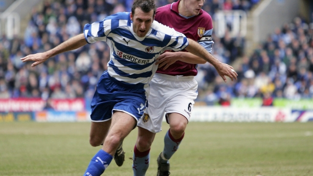 Glen Little in action for Reading in 2007, where he played alongside Nicky Shorey (Getty Images)