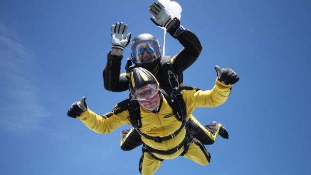 Verdun Hayes set a record when he parachuted from a plane aged 101. (Photo: Skydive Buzz)