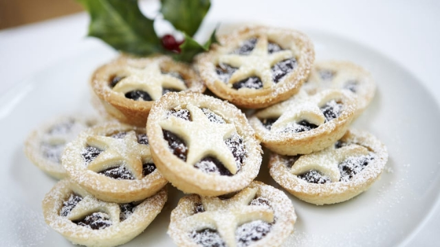 Asda's mince pies were voted the best out of the UK's supermarket offering this year (Photo: Shutterstock)