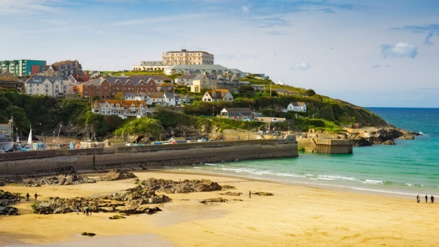 The government has announced four daily return flights from Heathrow to Newquay (photo: Shutterstock)