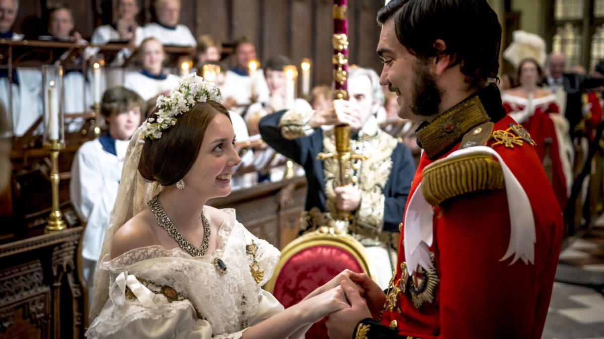 Queen Victoria And Prince Albert From The Royal Wedding And Children To Their Deaths The Couple S Story