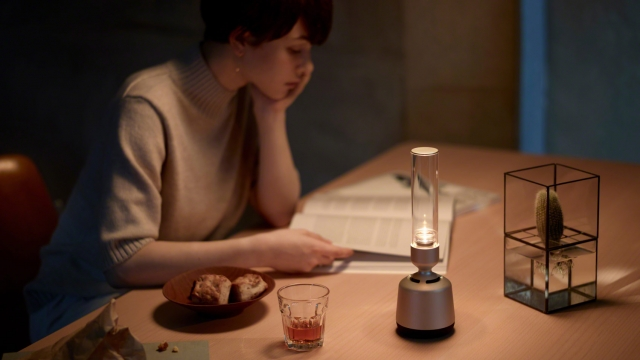 The stylish speaker also emits soft light similar to the flickering of a candle (Photo: Sony)