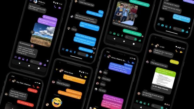 Facebook Messenger's dark mode turns the background black (Photo: Facebook)