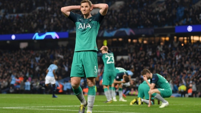 Jan Vertonghen reacts to Raheem Sterling's goal against Tottenham that was later disallowed (Getty Images)