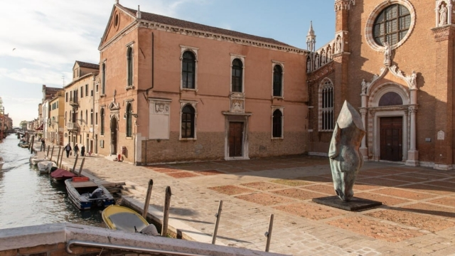 Nic Fiddian-Green's 'Serenity' sits outside the Madonna dell'Orto church (Photo: Sladmore Gallery)