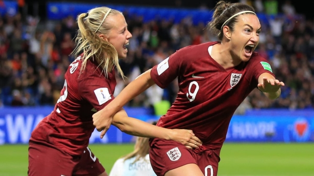 Jodie Taylor of England celebrates scoring the winning goal with Beth Mead (Getty Images)