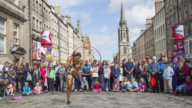 Edinburgh Festival Fringe 2019 Where To Stay And How To See The