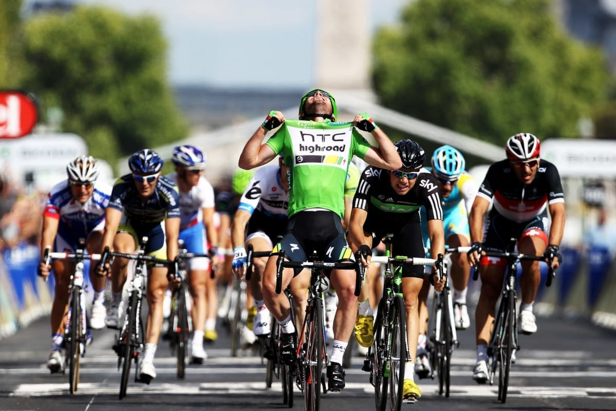 Mark Cavendish celebrates winning the 2011 Green Jersey with victory on the Champs-Elysees (Photo: Getty)
