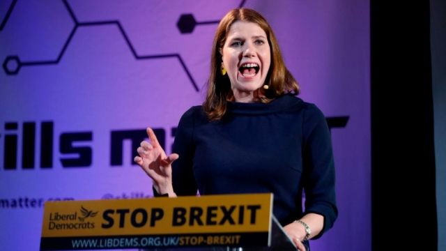 Leader of the Liberal Democrats Jo Swinson gestures as she delivers a keynote speech on Brexit in London on August 15, 2019 (Photo: TOLGA AKMEN/AFP/Getty Images)