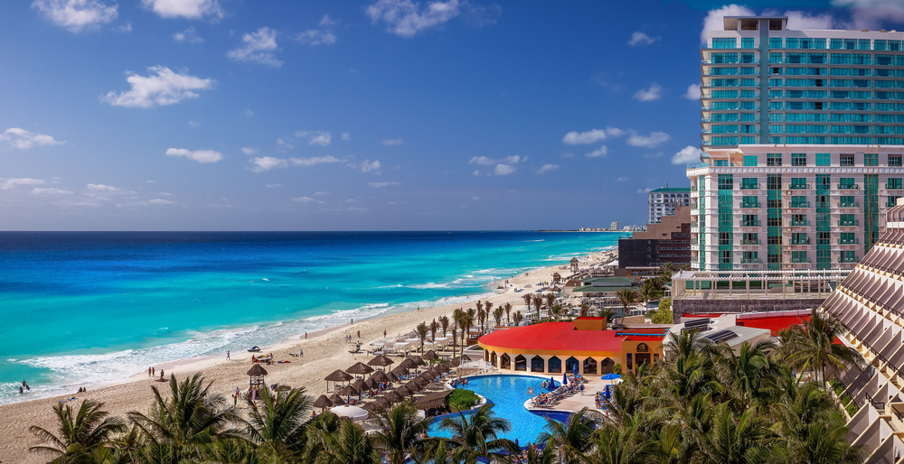 Is it safe to travel to Cancun? Mexico resort warning as holidaymakers struck down by brutal