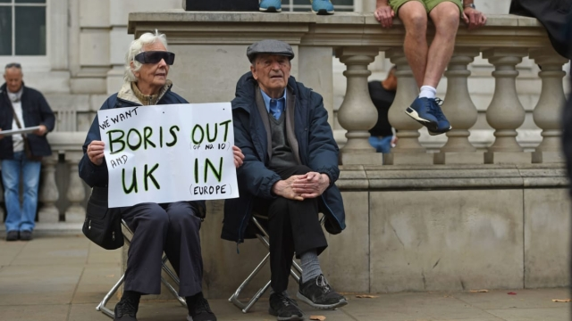 Anti-Brexit protesters in Whitehall (Photo: David Mirzoeff/PA Wire)