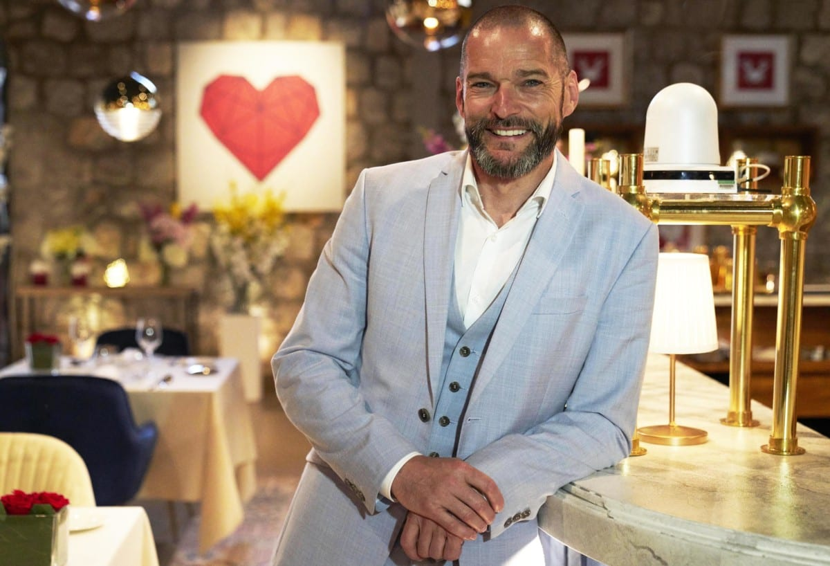 First Dates Hotel 2019 Line Up Here S Who S Looking For Love On Tonight S Episode
