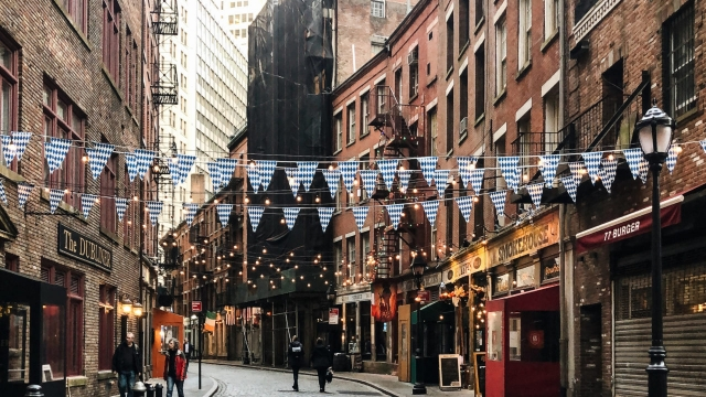 New York's photogenic Stone Street in the Financial District (Photo: Siobhan Ferguson)