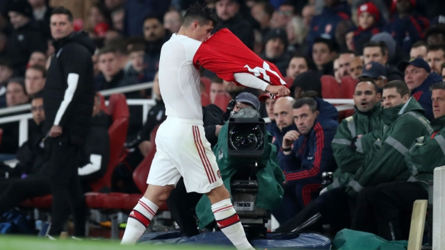 Granit Xhaka of Arsenal leaves the pitch after being substituted off against Crystal Palace on 27 October 2019 (Getty Images)