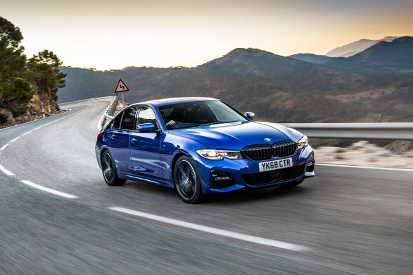 Article thumbnail: BMW 320d M Sport exterior