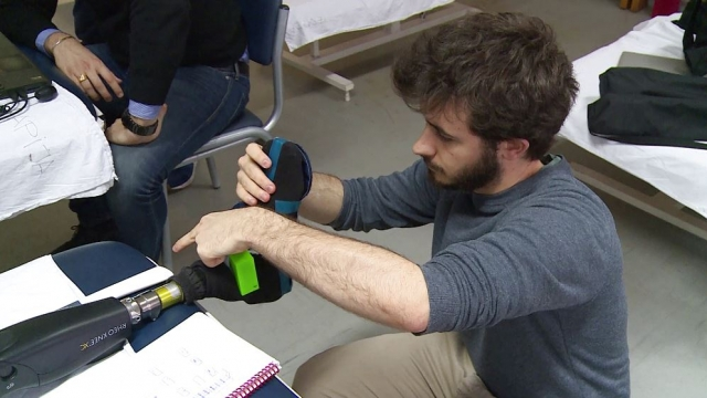 The prosthetic leg has an insole containing seven sensors applied to its sole (Photo: Stanisa Raspopovic)