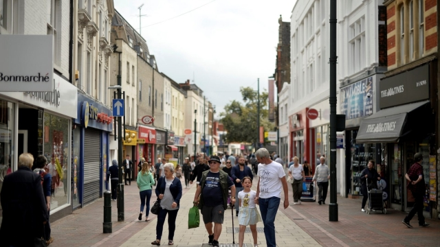 The high street attracted fewer shoppers thanks to Brexit uncertainties and wet weather (Photo: REUTERS/Hannah McKay)